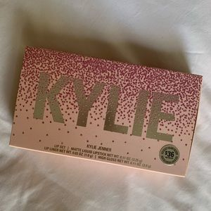 Kylie holiday lip kit
